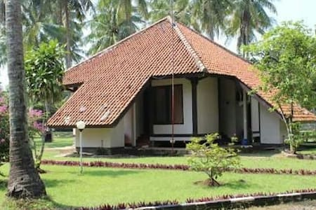 Best beach front Cottage in Anyer, +62 254 601582