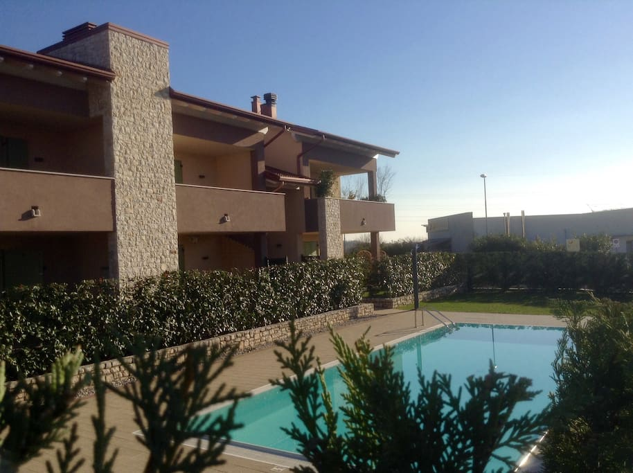 Esterno appartamento e piscina