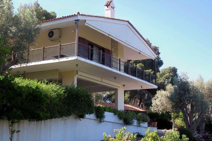 Villa near the sea  amazing seaview - Politika - Casa