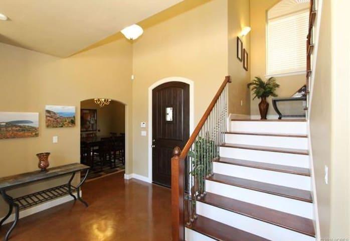 Spacious Home on Keystone Lake - Cleveland  - Dům