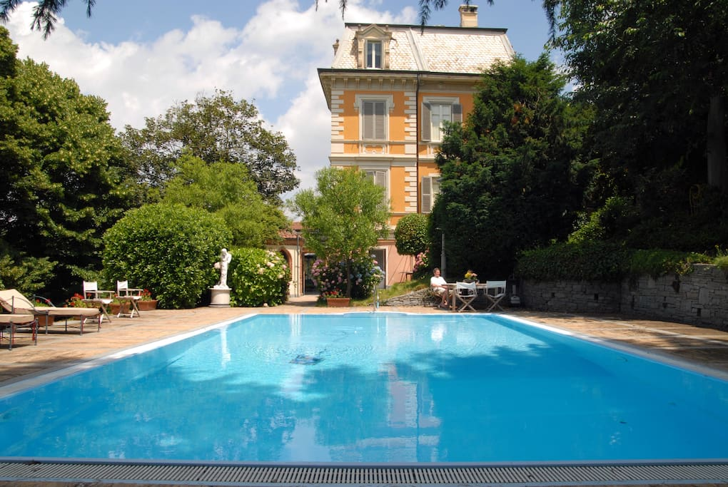 Camera in villa con piscina torino appartamenti in for Affitto torino privati non arredato