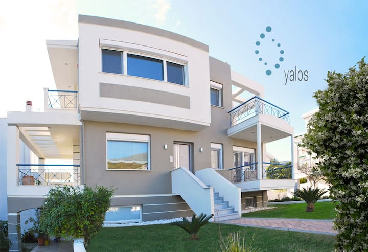 Yalos - Superb luxurious duplex at the seaside