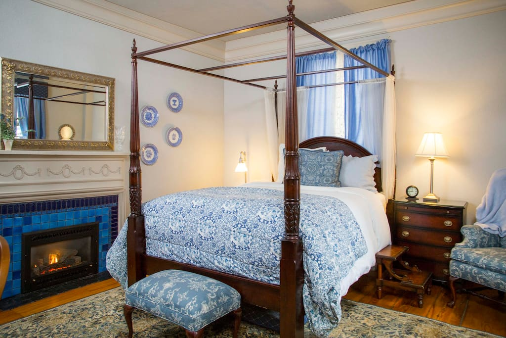 the daniel stebbins inn bed and breakfast bed and breakfasts for rent in south hadley. Black Bedroom Furniture Sets. Home Design Ideas