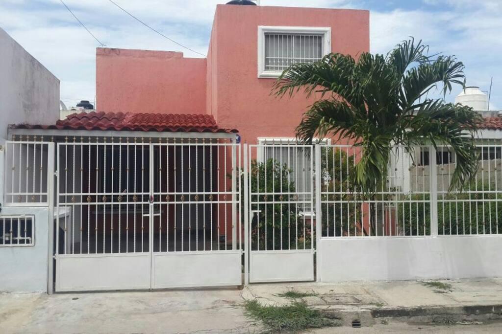Pusimos reja para mayor seguridad aunque Mérida es un lugar seguro, en general.