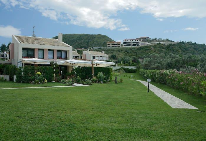 A perfect villa at Pefkohori … - Pefkochori - Villa