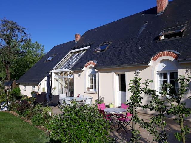 Charmante maison dans un village normand au calme