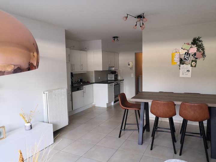 Entire apartment, centre of Aalst - Light & Clean