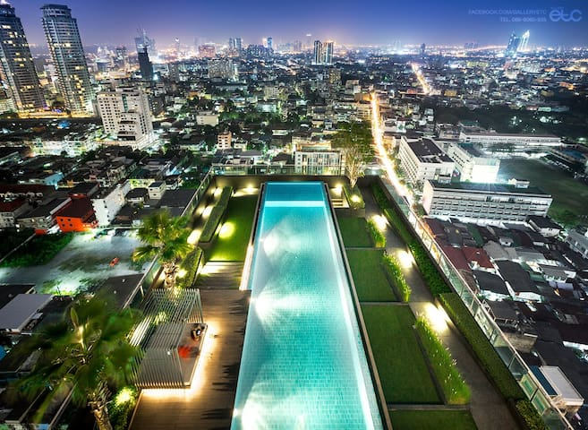 Sathorn 11-1BR Rooftop pool gym BTS close Silom