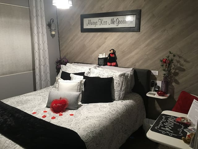 Valentines special suite & Hot Tub in Vacaville