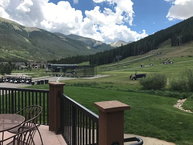FP118 Incredible Studio on golf course!Copper Mtn