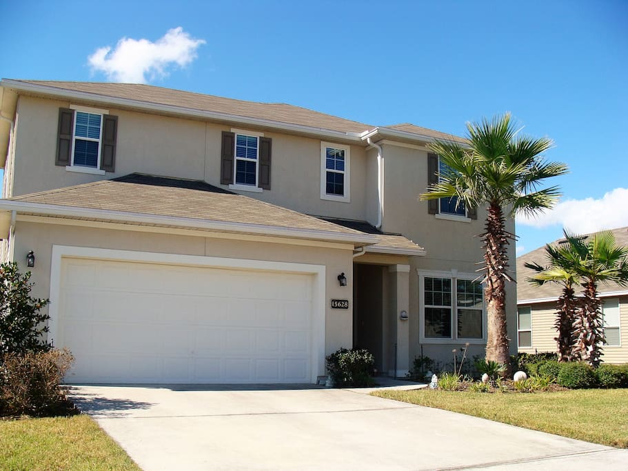 Private bed bath near airport and north campus houses for Classic american homes jacksonville fl
