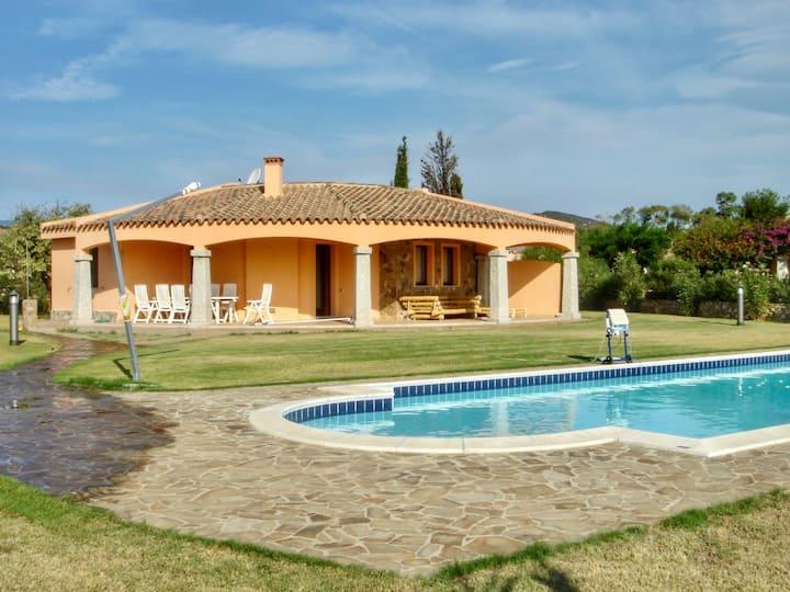 Villa con piscina sul mare Costa Rei
