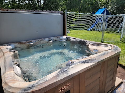 Heated Pool, hot tub,PS5, WI-FI, Net Flix, cable