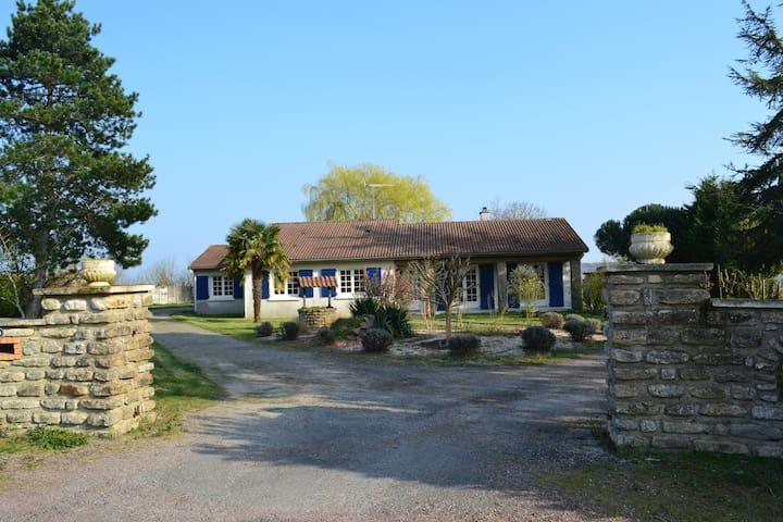 Chambre d'hôtes à 15 min du Puy du Fou - Mouchamps - Bed & Breakfast
