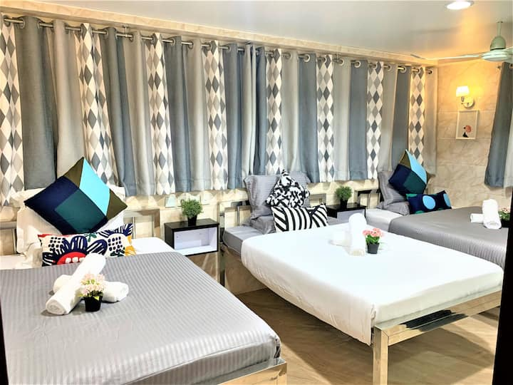 Deluxe 6 Persons Family room with Bath & City View