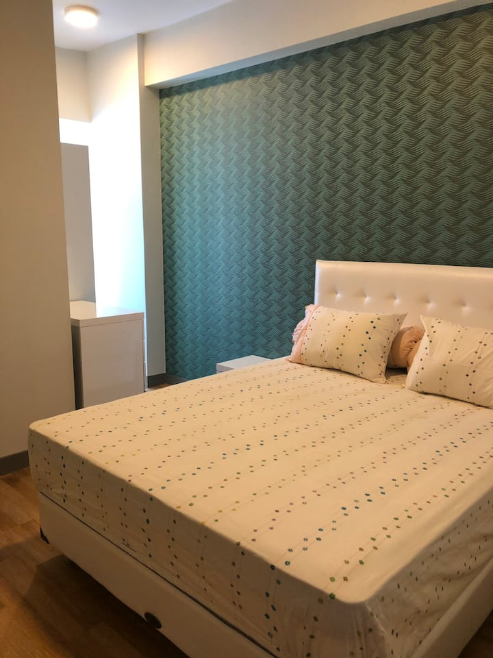 2 Bedrooms Anderson Apartment Pakuwon Mall