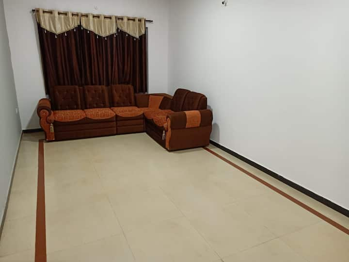 Budget 3 bedroom spacious well maintained cottage