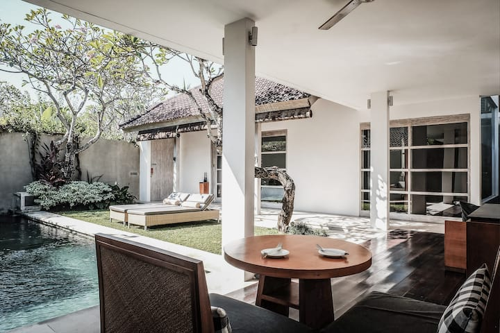 Minimalism Private Villa for Weekly and Monthly