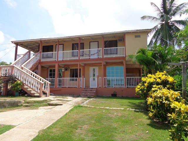 Casa frente a la Playa de SurOeste- 9 personas max