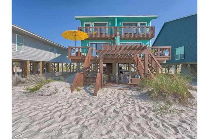 Coastal Calm by Meyer Vacation Rentals 3 Bedroom 3 Bath Sleeps 8
