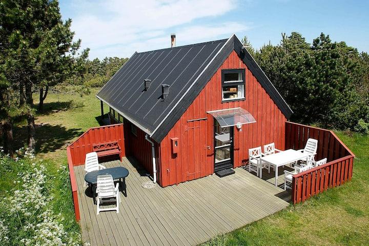 Moderna casa de vacaciones en Skagen con terraza