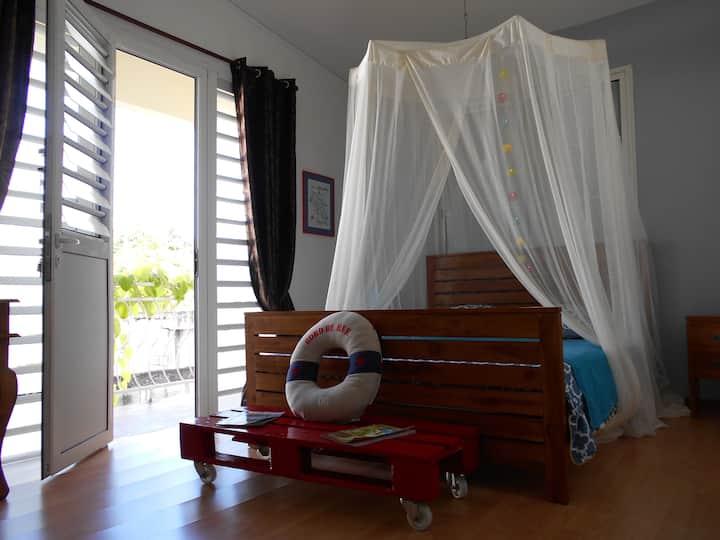 Grande chambre avec SDB privée & proche plage.