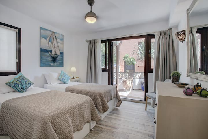 Casa Ella | Luxury Boutique B&B Bolonia Suite