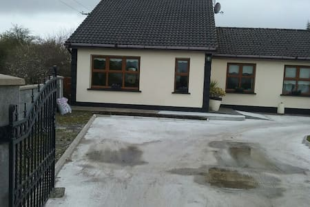 3bedroom semi  in countryside