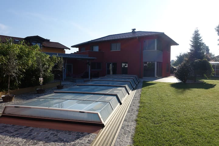 Stunning villa with Pool near Salzburg - Lamprechtshausen - Villa