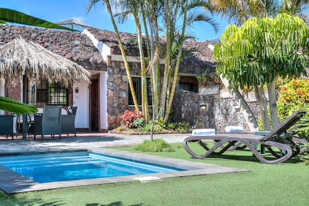 Very south villa with heated pool