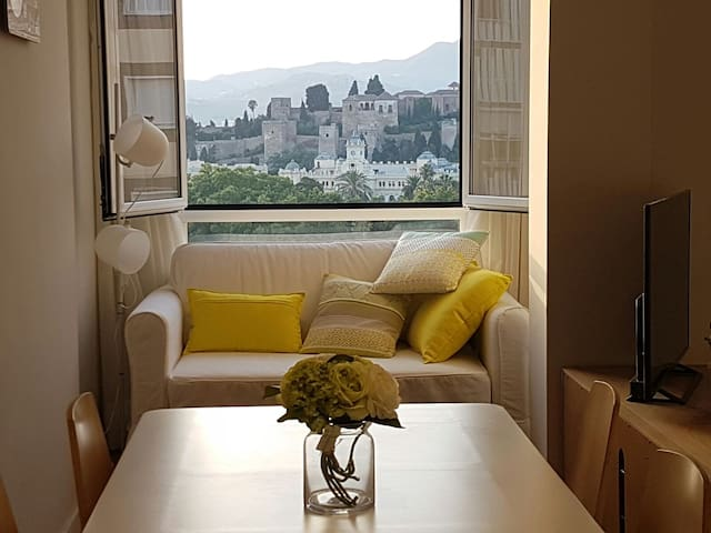 Best Location & Views Malaga City–2bedr.