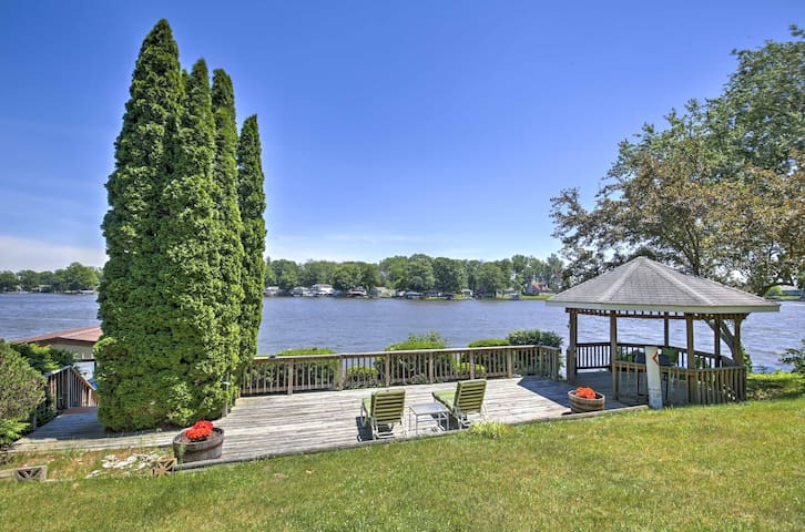 New! Beautiful 3BR Waterfront Monticello House!