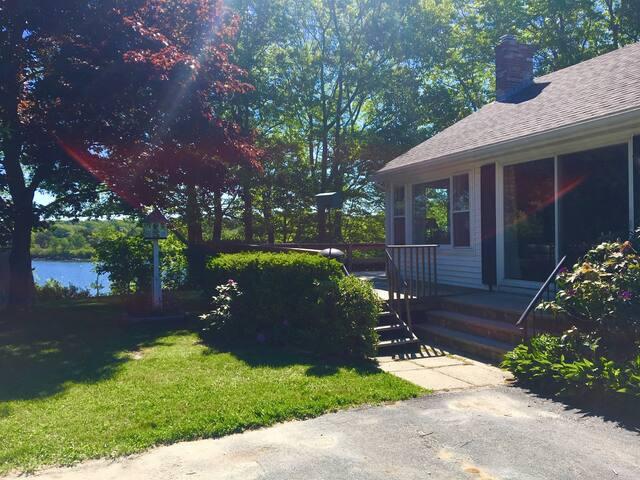 Schooner Bay Cottage