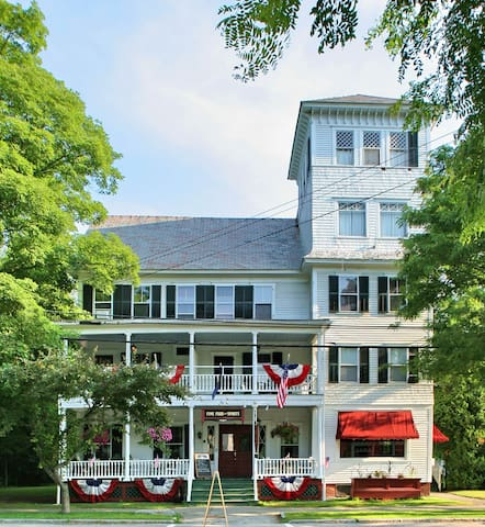 The Saxtons River Inn