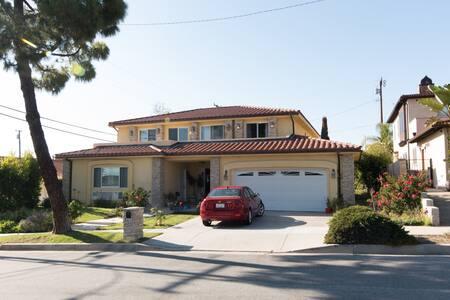 4.-Mansion in exclusive beach area - Rancho Palos Verdes