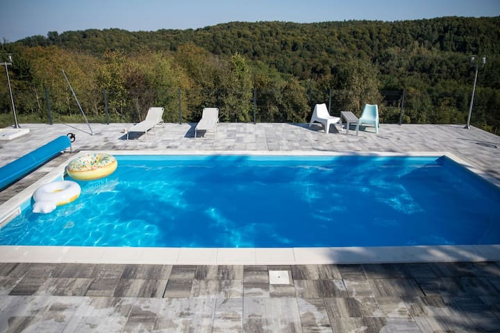 Secluded Holiday Home in Đurđevac with Swimming Pool