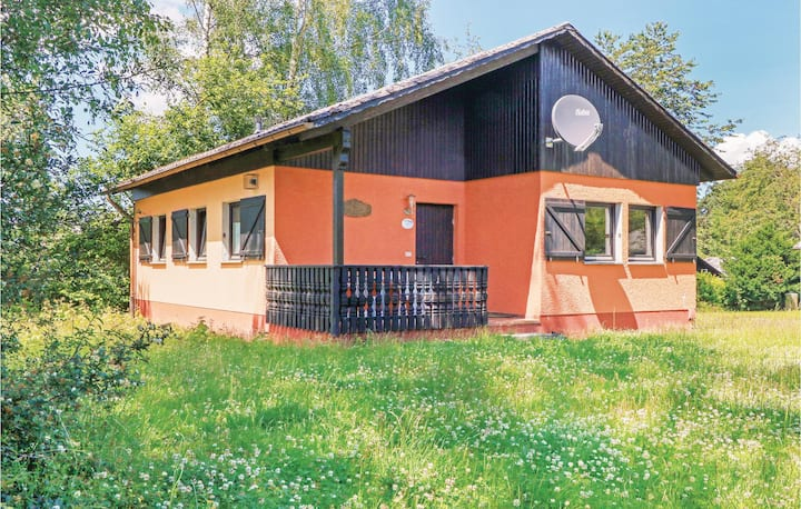 Stunning home in Thalfang with 2 Bedrooms