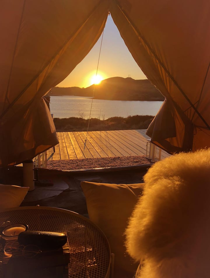 Glamping on beautiful Meløy. Romance in a tent!