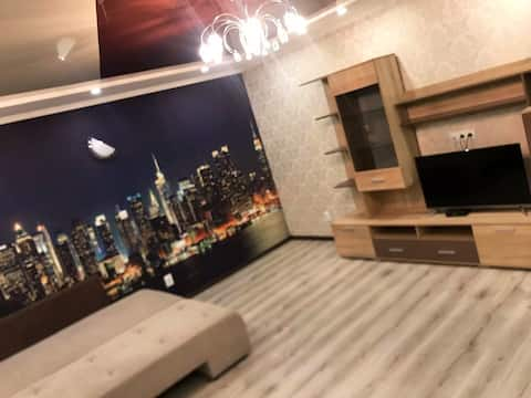 Уютная квартира в новострой . Удобная локация.
