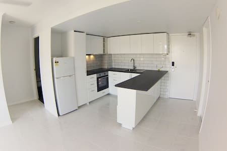 Fully Renovated Modern Apartment - South Brisbane