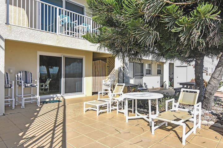 Oceanfront condo just steps to ocean in the heart of Cocoa Beach