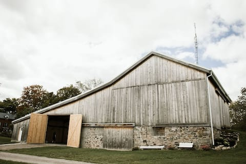Unique Country Barn Studio For Couples and Singles