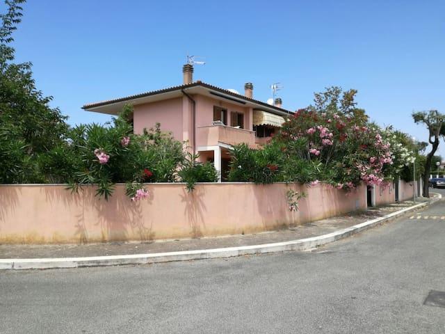 Villetta a Sabaudia