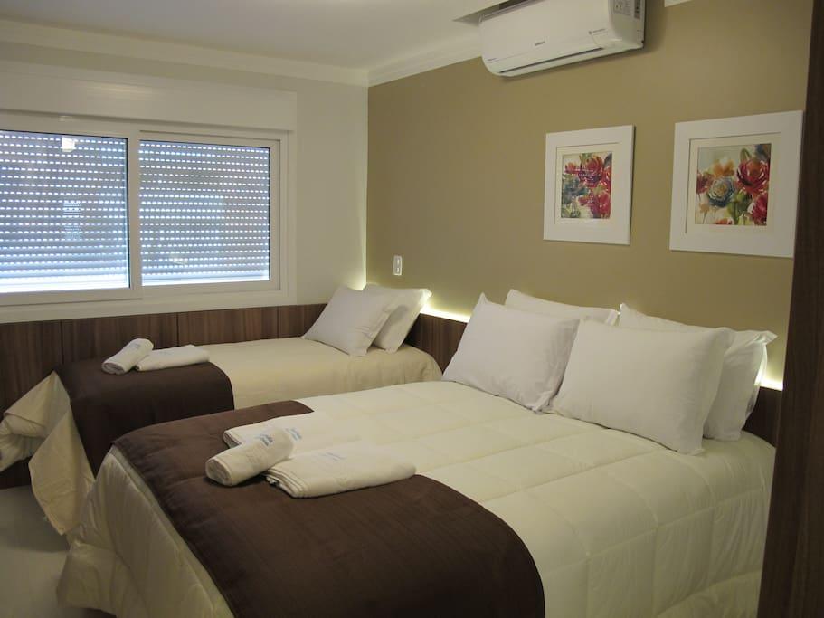Confortáveis camas para você descansar depois de um dia conhecendo a cidade