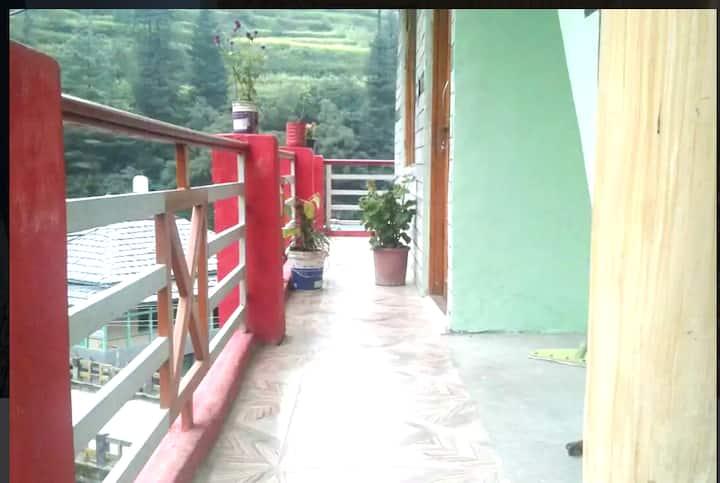 Himalayan stay jibhi