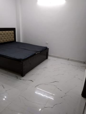Fully furnished studio appartment in heart of city