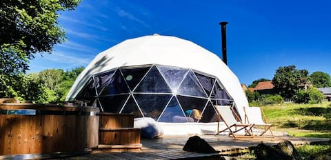 The Dome House, Kastanje, Unieke luxe glamping