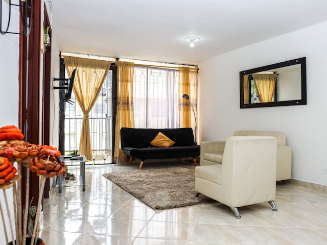 Luxury in Floresta y Laureles close to everything