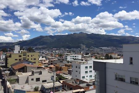 Live Like a Local - Brand New Condo with Terrace - Quito - Condomínio