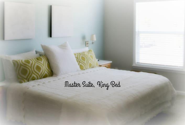 Cozy Private 2 bed, 2 bath Condo in Colorado !